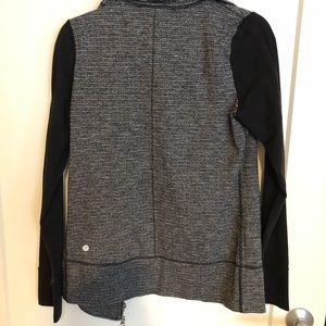 Lulu lemon zip up jacket size 6